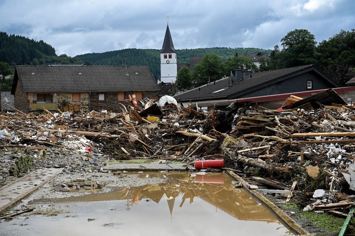 Avrupa'daki gerçek dışı ve korkunç sel felaketlerinde ölü sayısı 180'i geçti